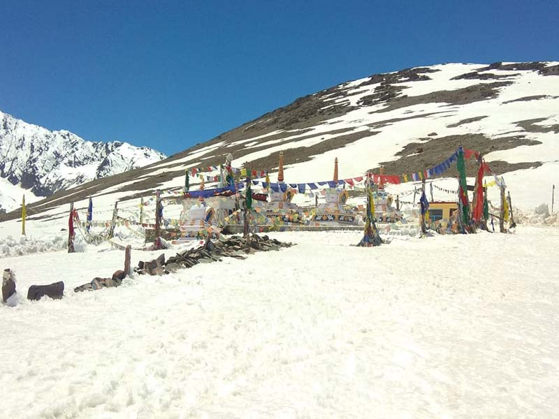 kunzum pass in may