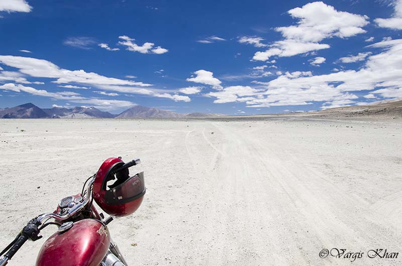 how to reach ladakh
