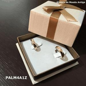 Par de Aliança de Moeda Antiga Abaulada 4MM com Revestimento em Prata com 1 Zircônia – PALM4A1Z