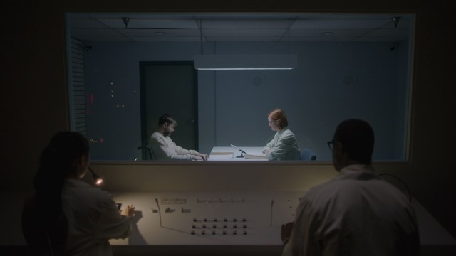 Ultrasound' Review: A Frustrating Sci-Fi Puzzle-Box Thriller - Variety