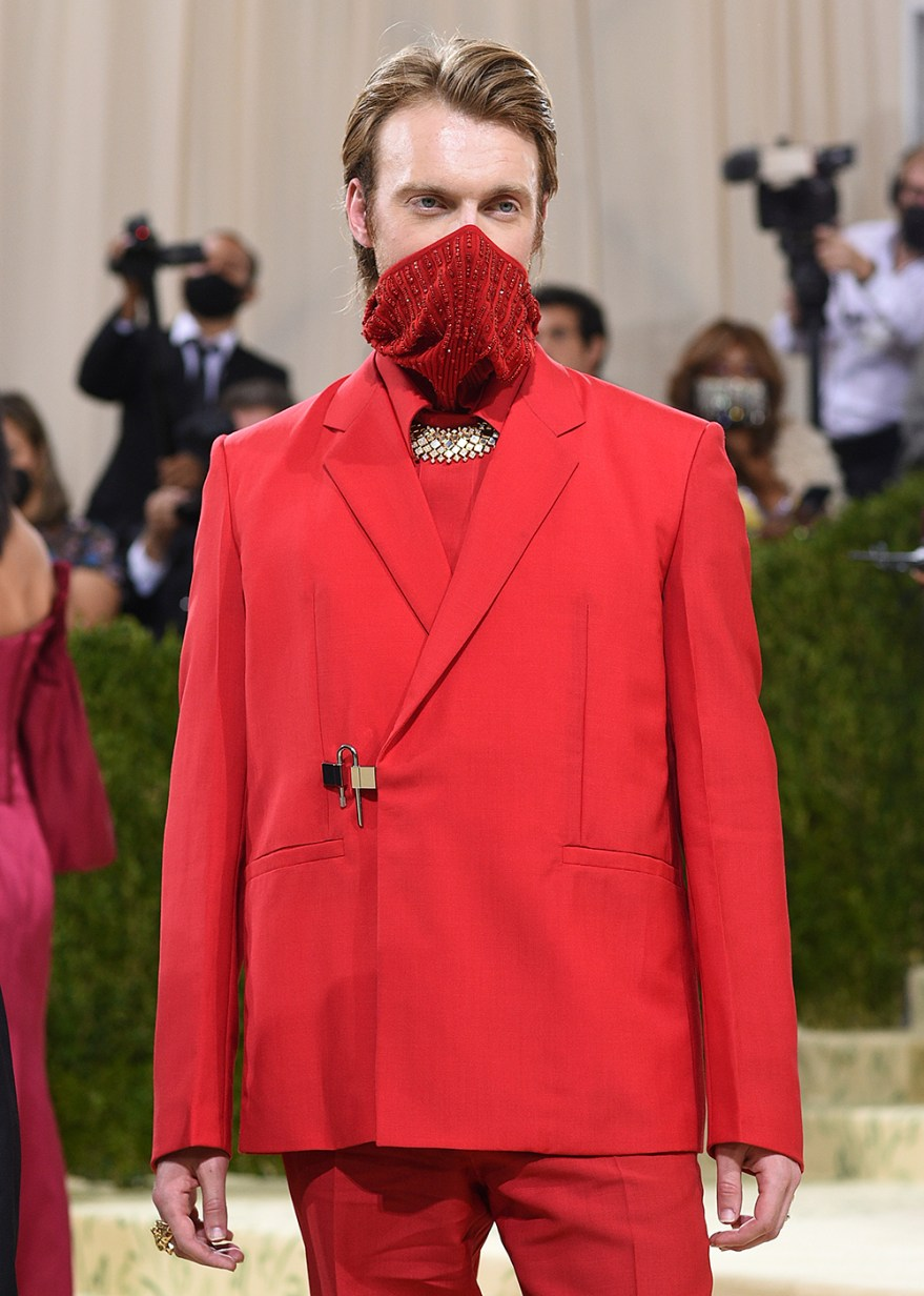 """Finneas attends The Metropolitan Museum of Art's Costume Institute benefit gala celebrating the opening of the """"In America: A Lexicon of Fashion"""" exhibition on Monday, Sept. 13, 2021, in New York. (Photo by Evan Agostini/Invision/AP)"""