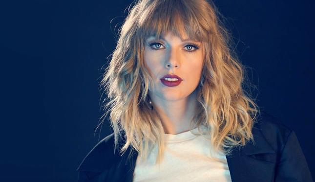 Taylor Swift Reveals​ 'Reputation' Tracklisting and Back Cover!