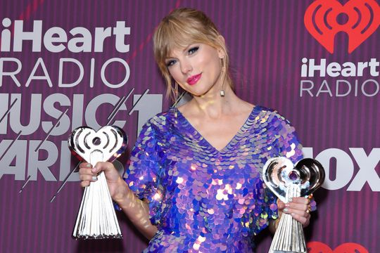 Taylor Swift Says She Owes Everything in Her Life to Her Fans!