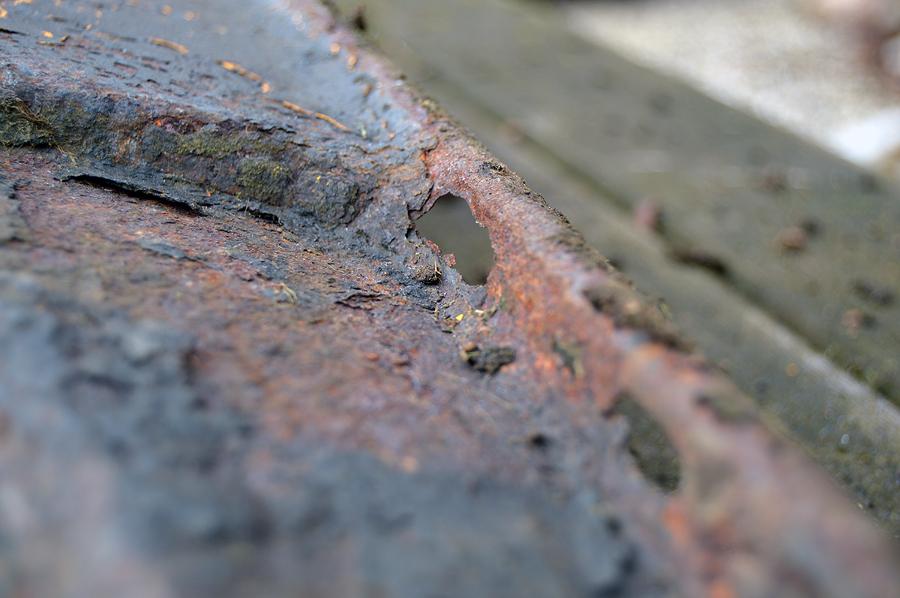 Rust gennemtæret klippebord.