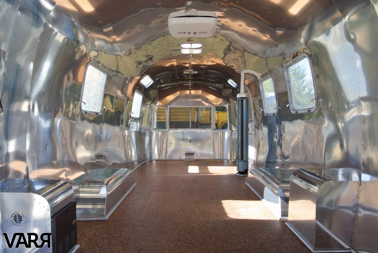 RESTORATION 1976 Sovereign Airstream Office VARR