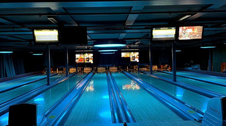John Scott's Disco Bowling