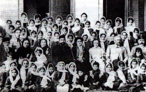 Müsəlman Qızlar üçün Aleksandrinski Məktəbinin şagirdləri