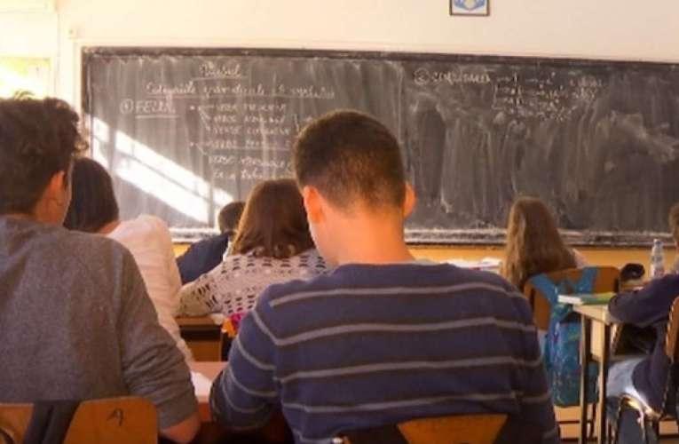 Dascălii vasluieni cer anularea examenelor naționale, Ministerul Educației nu ascultă!