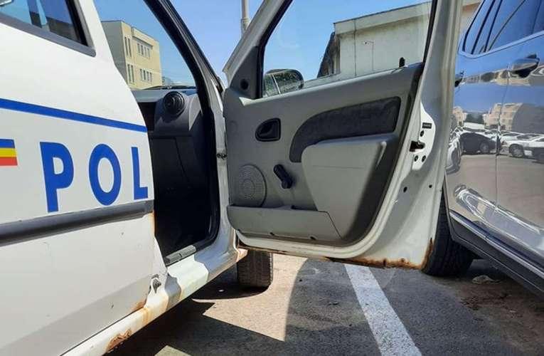 Mașinile de poliție, hârburi pe patru roți!