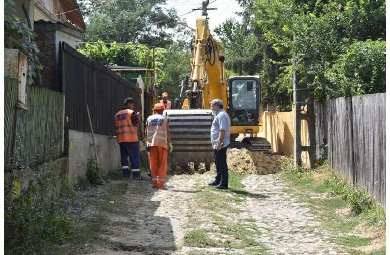 Bârlădenii vor avea încă trei străzi asfaltate, anunță primarul Boroș