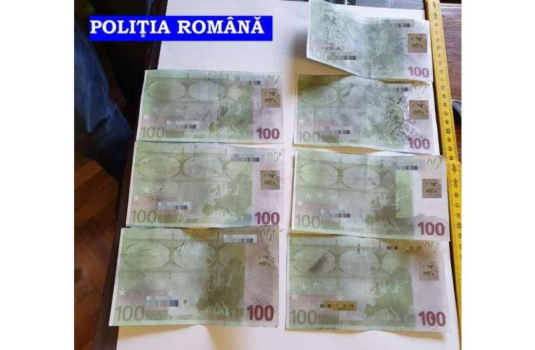 POLIȚIȘTII DE LA CRIMĂ ORGANIZATĂ AU REȚINUT 2 PERSOANE PENTRU ÎNȘELĂCIUNE
