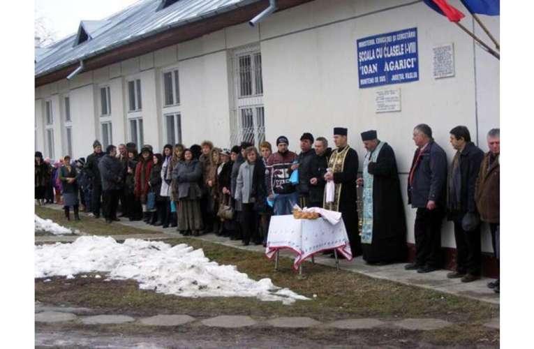 Ieri, la prânz, 16 școli erau în carantină. Aseară, a intrat și școala de la Muntenii de Sus! (LISTA COMPLETĂ)
