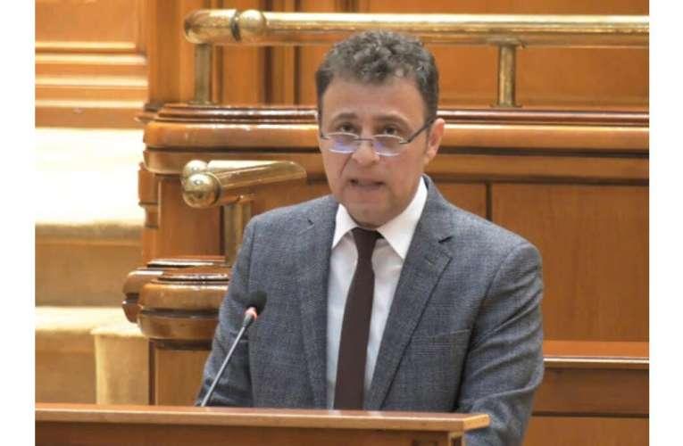 Deputatul Daniel OLTEANU: «România a deraiat de la normalitate pentru că președintele a plecat la cules de voturi!»
