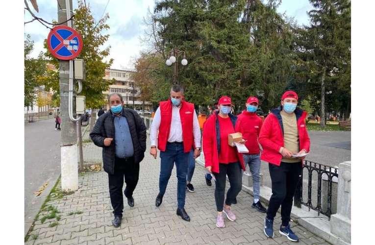 """Eduard Popica, în mijlocul hușenilor! Mesaje de susținere, din partea locuitorilor """"orașului dintre vii""""!"""