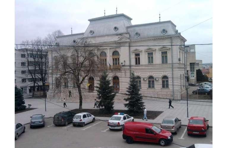 Pe surse: președinta Judecătoriei Vaslui, confirmată cu Covid! Sunt aproape 6.600 de cazuri în județ!