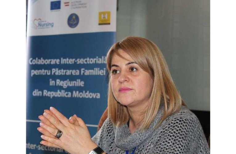 O viață în slujba asistenței sociale: Roxana Hriscu a împlinit 24 de ani de activitate în DGASPC Vaslui! Este cea mai iubită directoare!