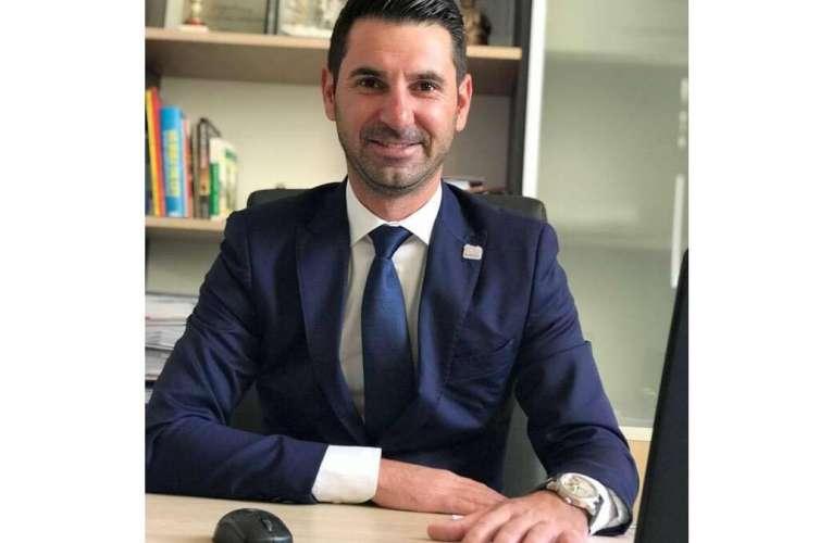 """Primarul de Vetrișoaia, cartonaș galben către primarii PSD: """"Când am fost scos de la finanțare, le-a păsat că nu am bani?"""""""