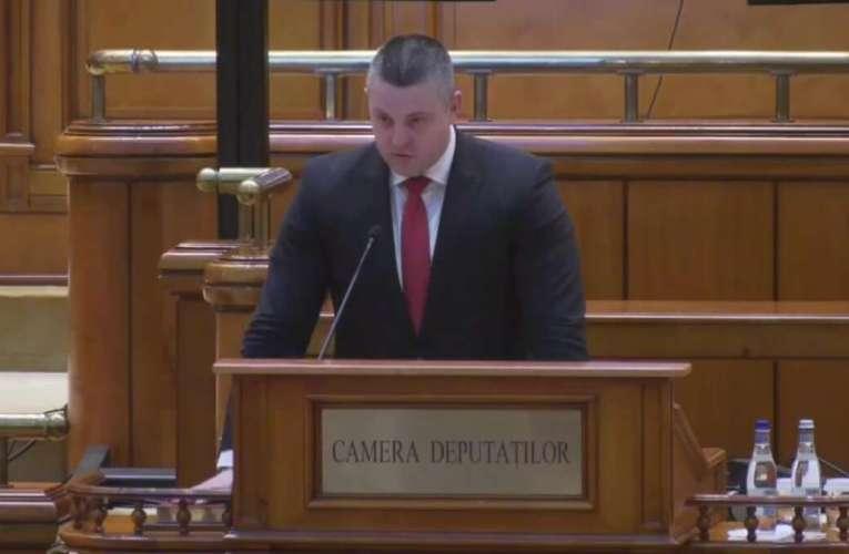 """Deputatul Eduard Popica a depus jurământul, seara trecută! """"Devotament și onoare pentru toți vasluienii!"""" (VIDEO)"""