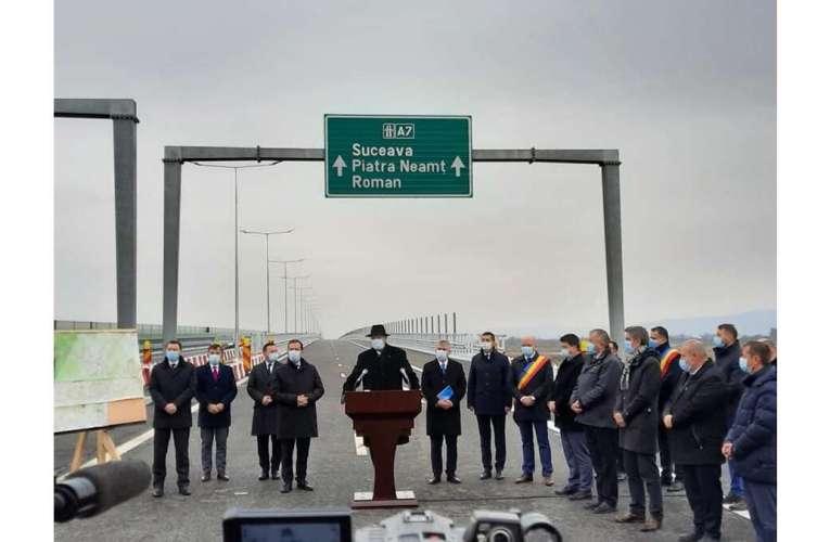 """Unde sunt mașinile cu """"Șîeu"""" de prin Vaslui? Și, mai ales, de ce se laudă PNL cu autostrada de la Bacău, proiectul PSD?"""