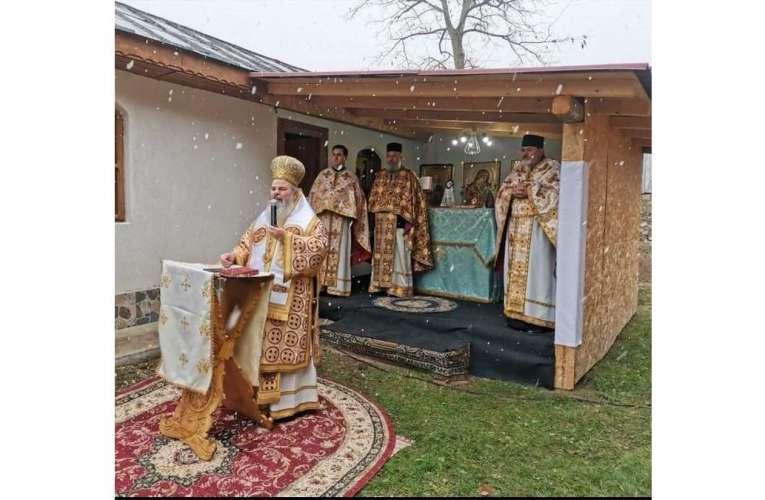 """PS Ignatie, Episcopul Hușilor: """"Sfântul Apostol Andrei ne învață să nu ne atașăm atât de mult de o doctrină, cât de o Persoană"""""""