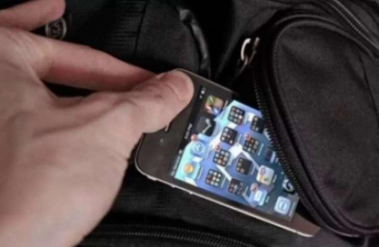 Un golan din Bârlad a snopit în bătaie un copil de 14 ani! I-a furat și telefonul mobil!