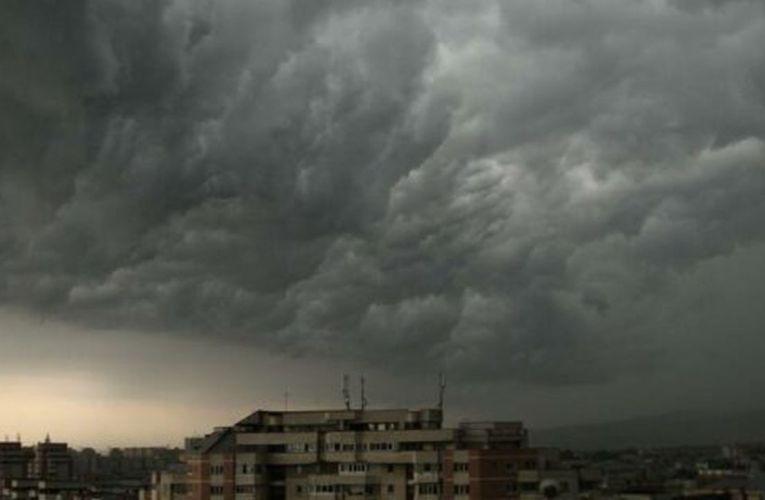 Vasluiul este sub COD GALBEN de ploi, toată ziua de duminică! Sudul țării, COD PORTOCALIU!