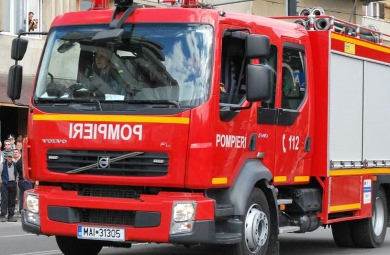 Bârlădean a de 62 de ani găsită căzută în baie de către pompieri