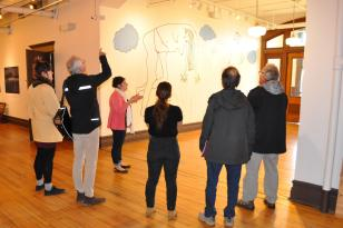 Visite des installations de la Galerie Sans Nom de Moncton avec la directrice Catherine Arseneault.