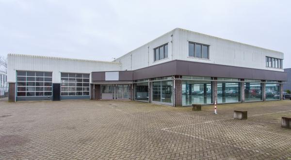 Sleiderink Bouwmaterialen koopt bedrijfsgebouw in Oldenzaal