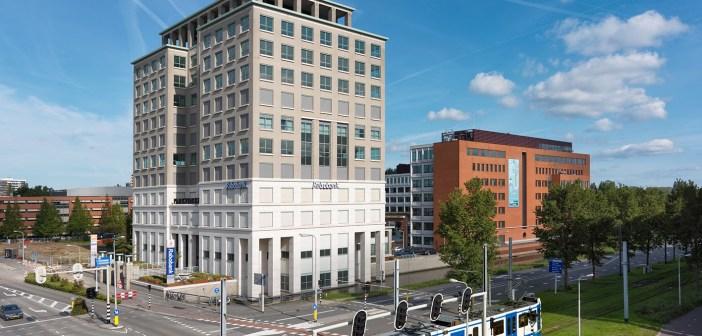 Regus en Highbrook Investors tekenen huurovereenkomst voor kantoor Parktoren in Amstelveen