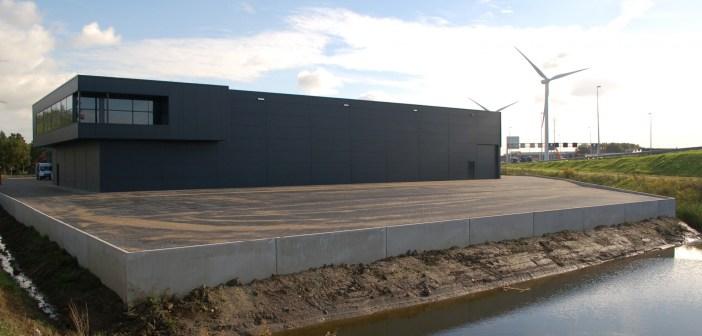 Bedrijfshal met kantoor verhuurd aan de Tweede Bloksweg 72 te Waddinxveen