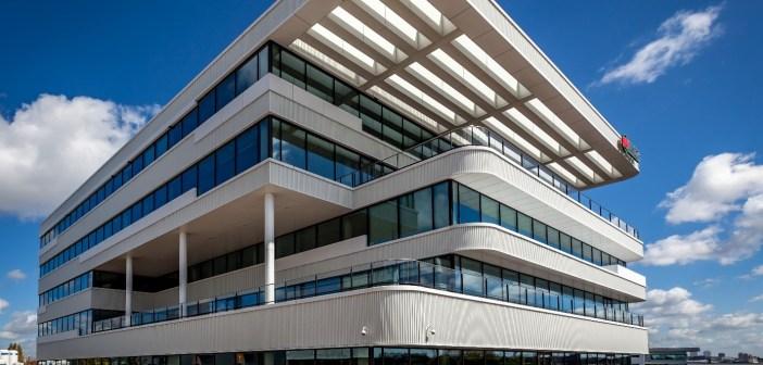 Fyffes B.V. huurt tijdelijk 925 m² kantoorruimte in Schiedam