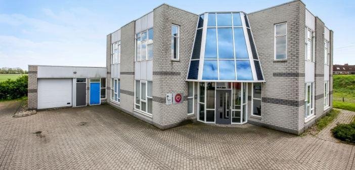 Kantoorpand met bedrijfsruimte van ca. 700 m² in Westervoort verkocht