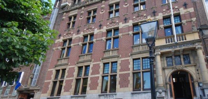 Van Lanschot N.V. huurt aan de Korte Vijverberg 4 te Den Haag