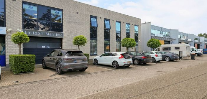 Particuliere belegger koopt Bohrweg 3-5, Spijkenisse