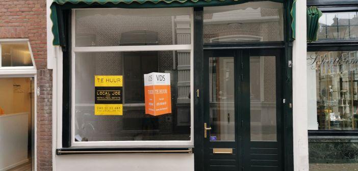 Delicatessenwinkel Deli `93 naar de Maliestraat in Den Haag