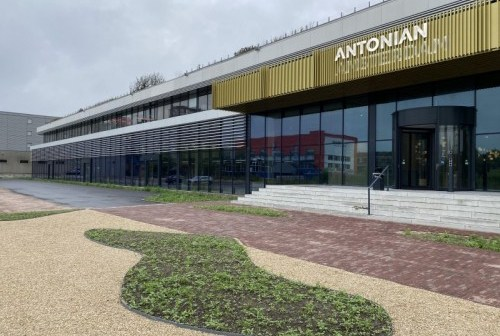 iO huurt 3.800 m² kantoorruimte in Antonian Amsterdam
