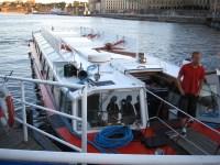 Utflyktsbåt vid Grand Hotel