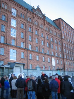 Folk på Kvarnholmens norra kaj, Nacka