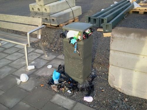 Sopkorg mellan Fendergatan och Lugnets terrass i Henriksdalshamnen