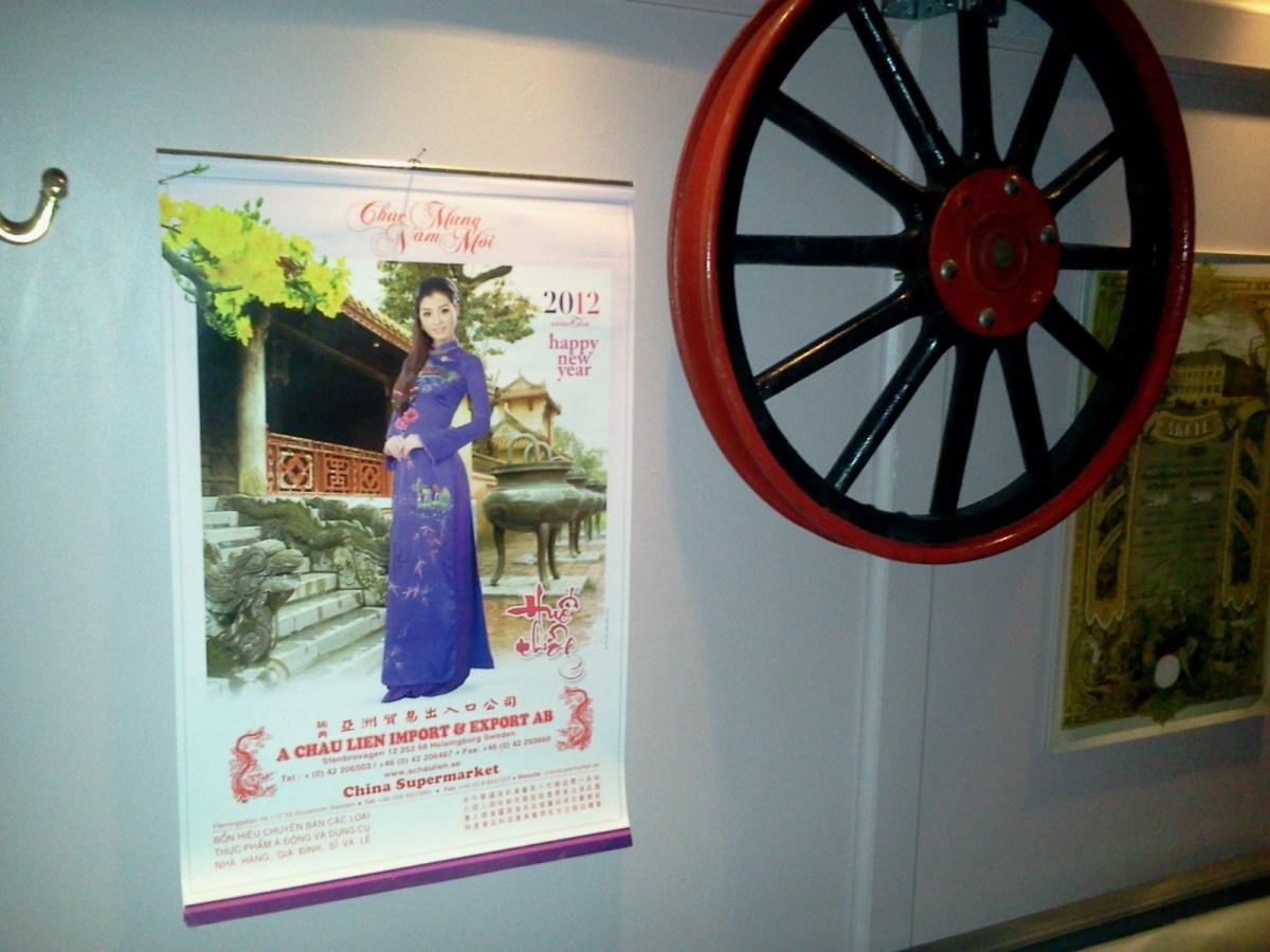 Kinesisk kalender och Wild West-hjul på kinakrogen Lucky House på Henriksdalsberget