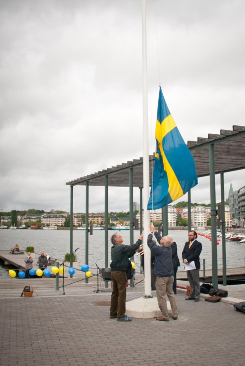 Flagghissning på Lugnets terrass