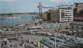 Vykort visar Slussen med Katarinahissen på 50- eller 60-talet