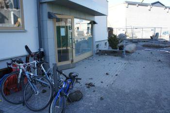 Stenar från sprängning i Finnboda flög iväg till bostadshusens portar