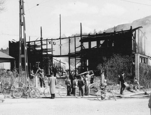 henriksdal: vidfamnes papperslager brinner 1955