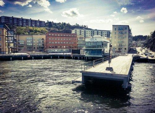 Pir i Finnboda och restaurang Docklands