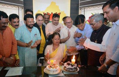 cm-birthday-greetings-mahila-thana-PH-02