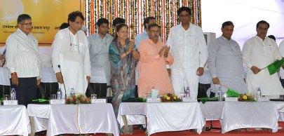 cm-inaugural-function-jaipur-railway-station-suresh-prabhu-AKS_4096