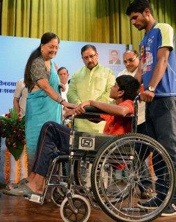 vasundhara-raje-Pandit-Deendayal-Upadhyay-Vishesh-Yogyajan-Shivir-CMP_5667