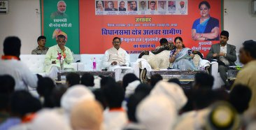 cm-at-alwar-rural-assembly-constituency-public-dialogue-with-various-communities-CMA_8587